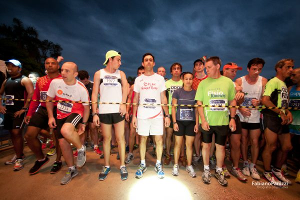Fila Night Run Porto Alegre.